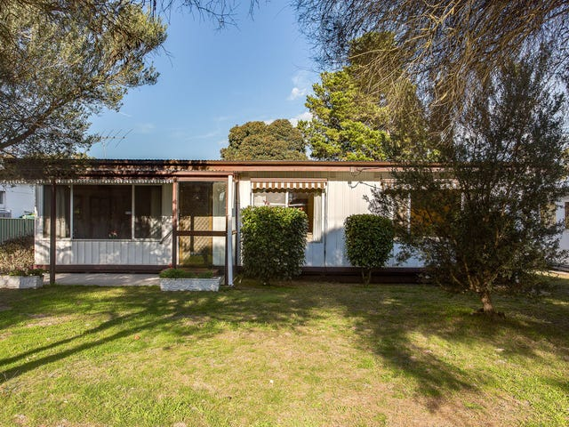 11 Flamingo Road, Rosebud West, Vic 3940