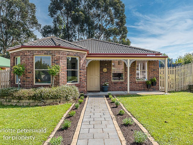 10 Freesia Crescent, Kingston, Tas 7050