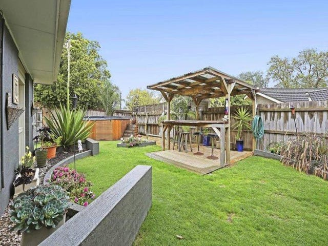 2 Dampier Court, Grovedale, Vic 3216