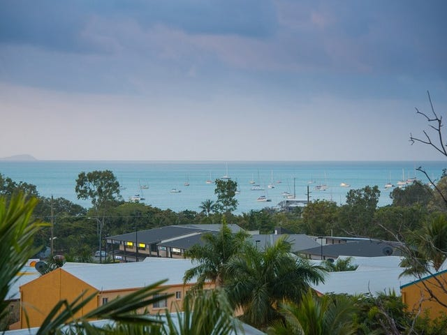 Unit 112/2 Eshelby Drive, Cannonvale, Qld 4802