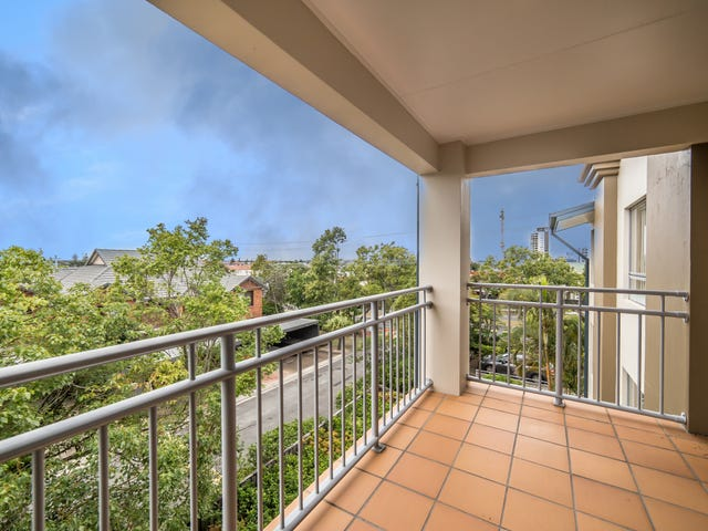 17/160 High Street, Southport, Qld 4215
