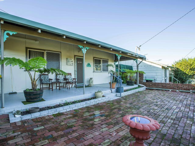 24 Clifton St, Collie, WA 6225