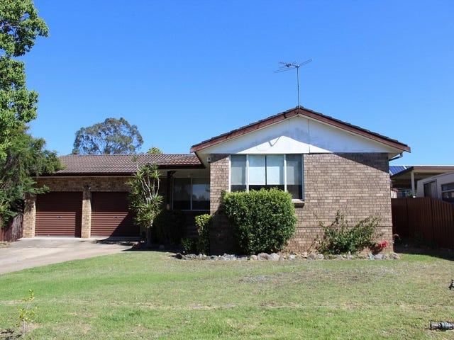 42 Cleopatra Drive, Rosemeadow, NSW 2560