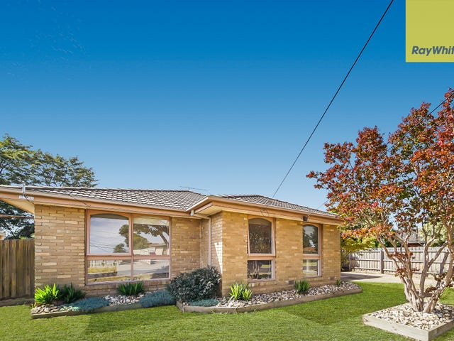 22 Blackwood Drive, Melton South, Vic 3338