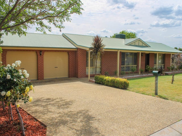 31 Honeysuckle St, Thurgoona, NSW 2640