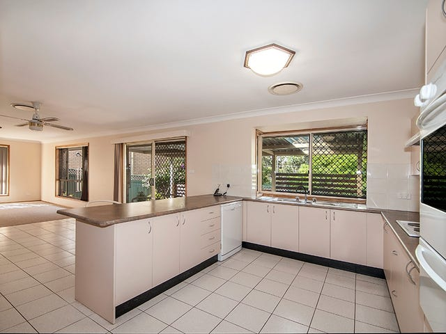 751a Henry Lawson Drive, Picnic Point, NSW 2213