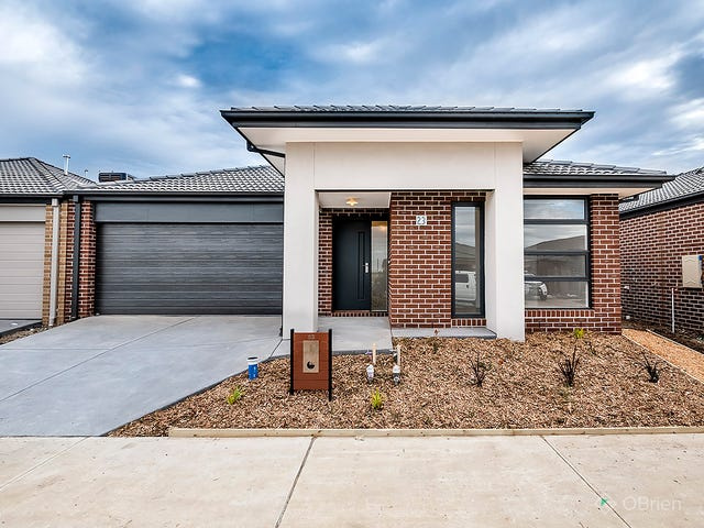23 Ritchie Drive, Clyde North, Vic 3978