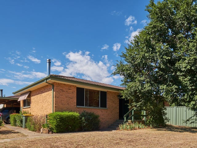 2 Tebbutt Place, Charnwood, ACT 2615