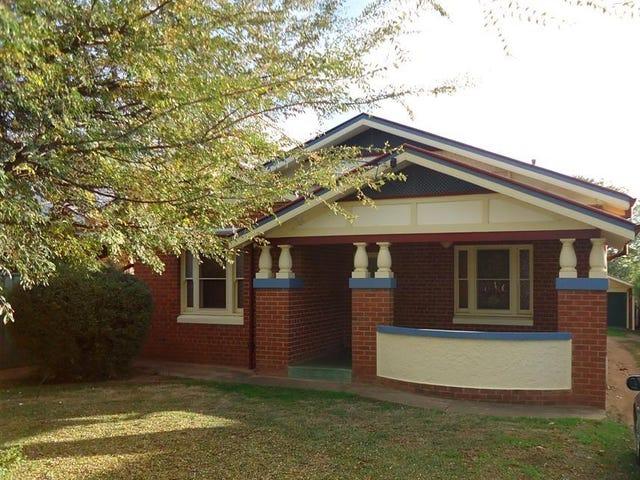 13 Lindsay Street, Turvey Park, NSW 2650