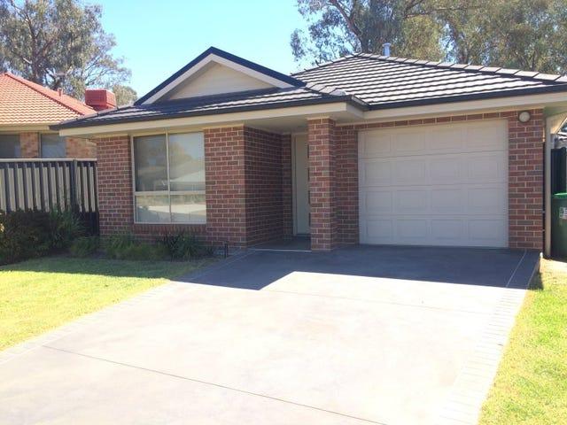 1/8 Redbox Drive, Thurgoona, NSW 2640