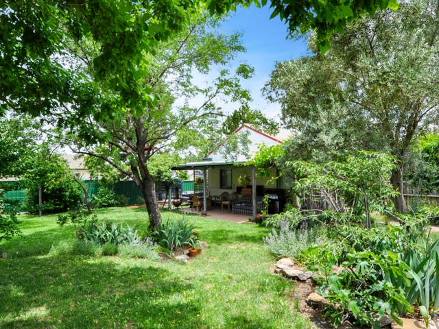 18 Tremain Avenue, West Bathurst, NSW 2795