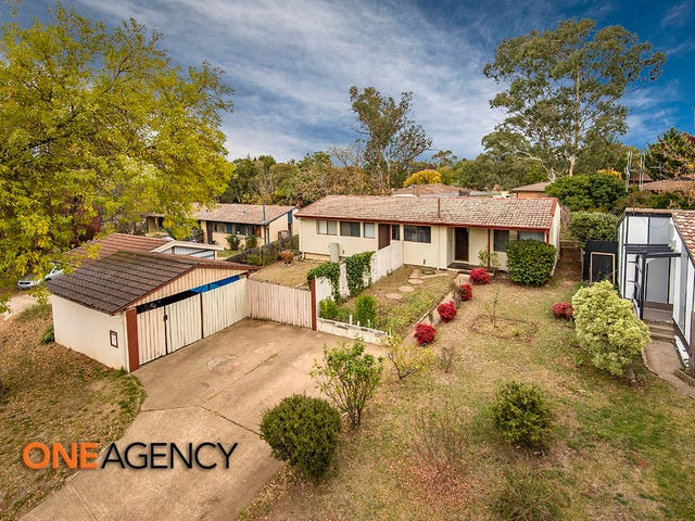 10 Weaver Place, Charnwood, ACT 2615