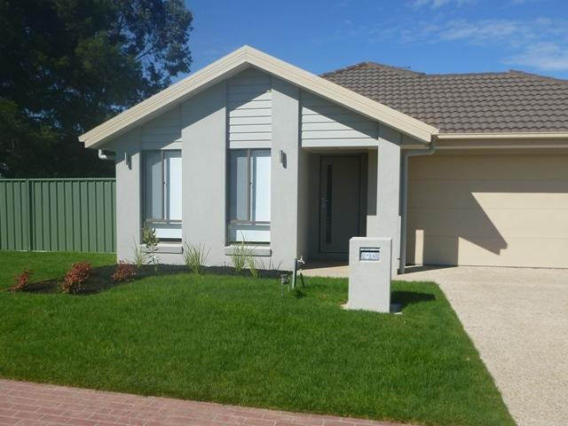 73 Featherstone Avenue, Albury, NSW 2640