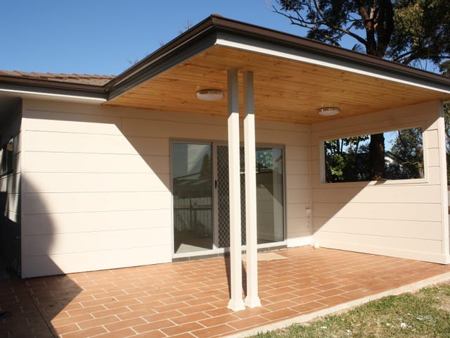 595B Henry Lawson Drive, East Hills, NSW 2213