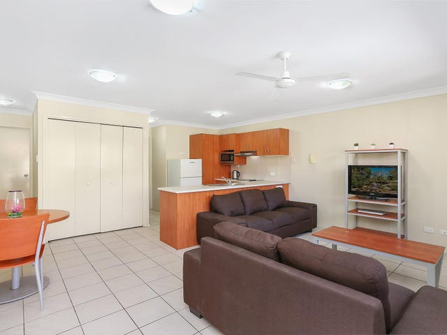 7-11 Brown Street, Labrador, Qld 4215