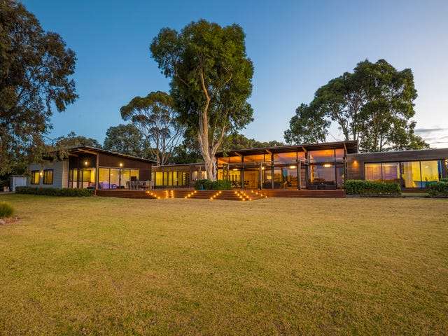52 Sandy Point Road, Somers, Vic 3927