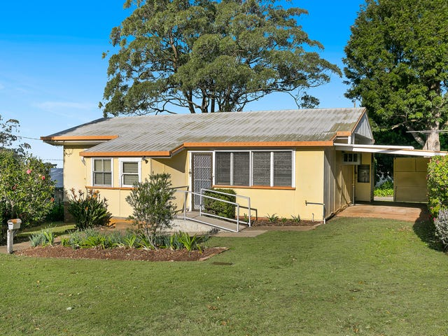 8 Alfred Street, Mount Lofty, Qld 4350