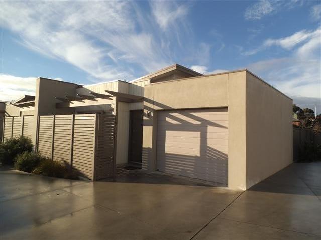 7 Latitude Court, Ballarat East, Vic 3350