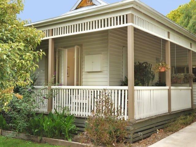 8 St-Leonards Road, Healesville, Vic 3777