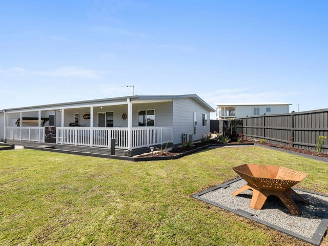 16 PEARL COURT, Cowes, Vic 3922