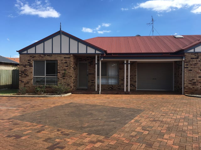 1/7 Suzanne Court, Kearneys Spring, Qld 4350