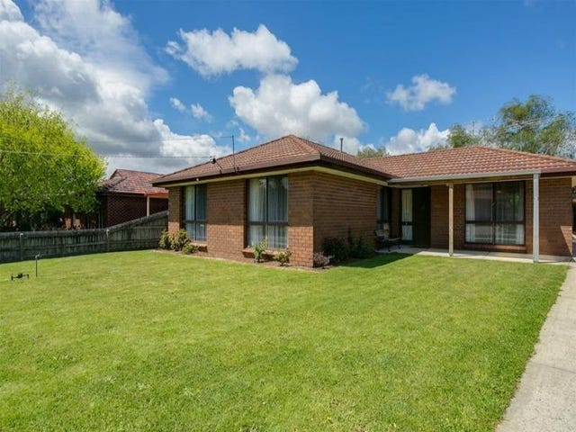 13 Deanswood Drive, Somerville, Vic 3912