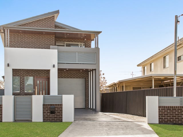 13B Edgecombe Avenue, Moorebank, NSW 2170