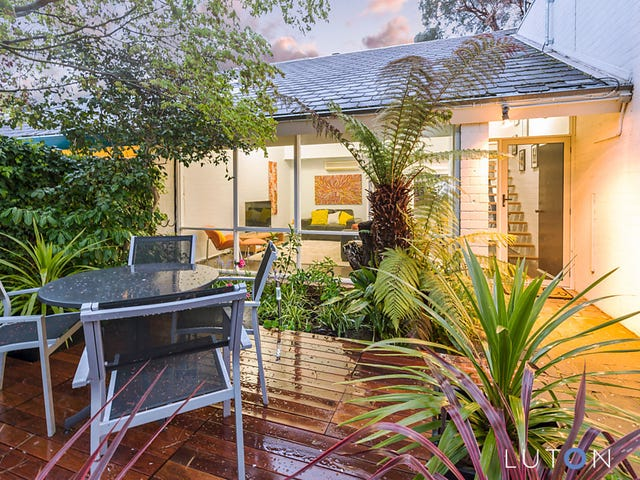 10 Maclachlan Street, Holder, ACT 2611