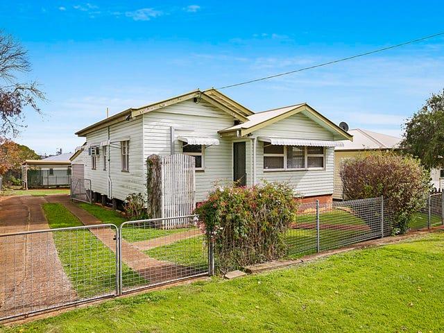 9 Parkinson Street, South Toowoomba, Qld 4350