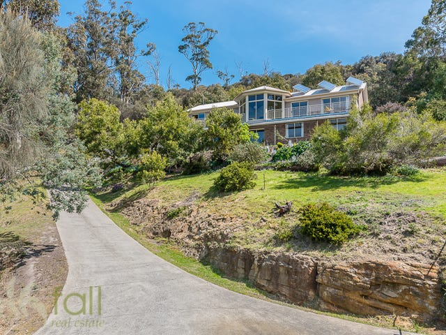 131 Tinderbox Road, Blackmans Bay, Tas 7052