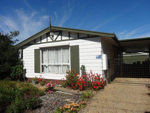 166 Canterbury Rd, Victor Harbor, SA 5211