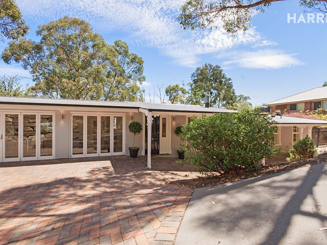 7 St Barberie Drive, Crafers, SA 5152