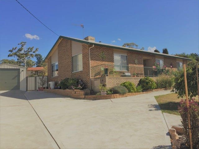 5 Maneroo Place, Cooma, NSW 2630