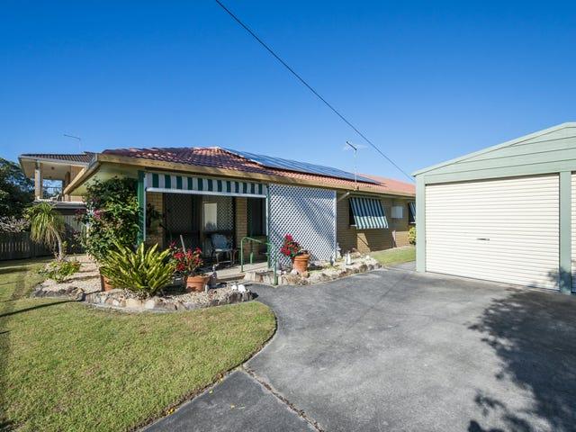 Units 1 & 2/19 Ballanda Crescent, Iluka, NSW 2466