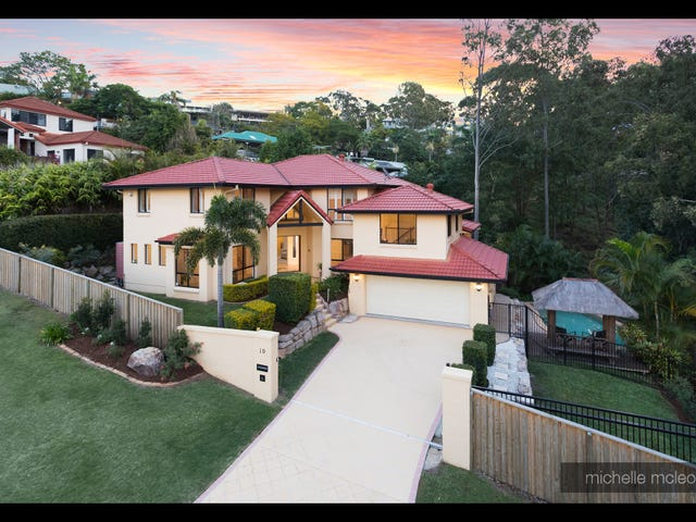 19 Grevillea Close, Chapel Hill, Qld 4069