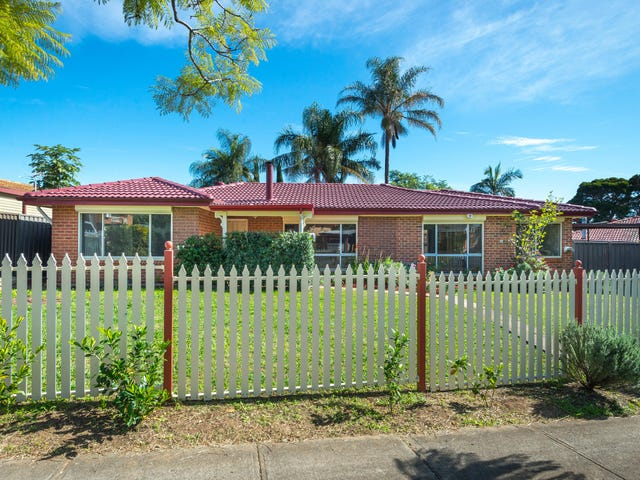 4 Geelong Crescent, St Johns Park, NSW 2176