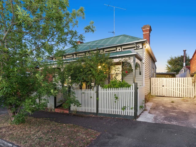 15 Young Street, Golden Point, Vic 3350