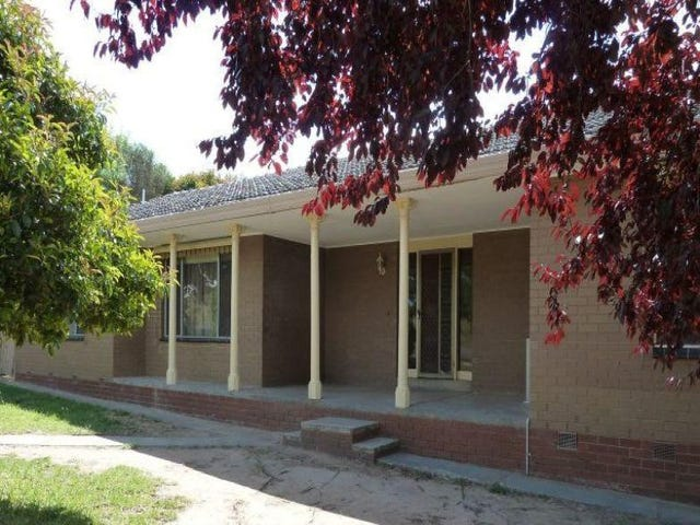 24 Mitchell Street, Heathcote, Vic 3523