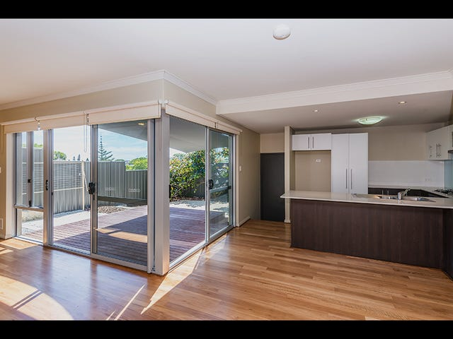2/15 Nautilus Crescent, Scarborough, WA 6019