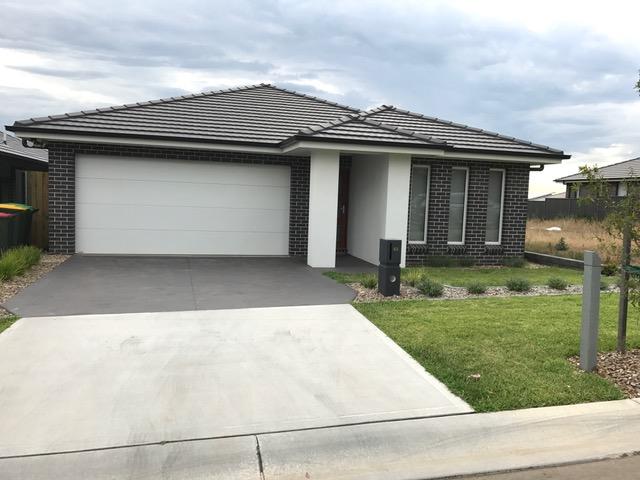40 Lowndes Drive, Oran Park, NSW 2570