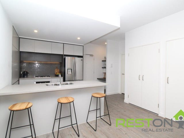 303/81C Lord Sheffield Circuit, Penrith, NSW 2750