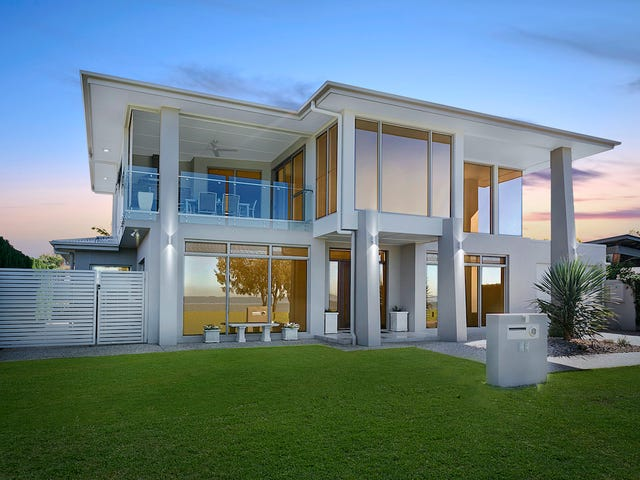 17 Orana Esplanade, Victoria Point, Qld 4165