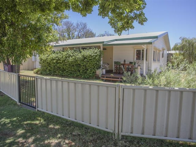 3 Sheriff Street, Chinchilla, Qld 4413