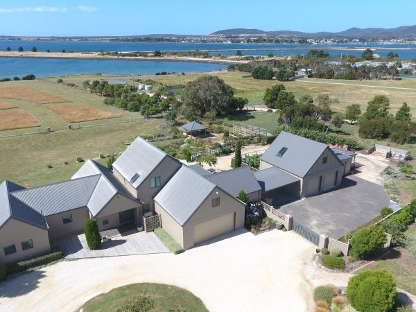 147 BEVIC ROAD, Clarence Point, Tas 7270