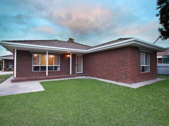 1/4 Glendaloch Court, Lavington, NSW 2641