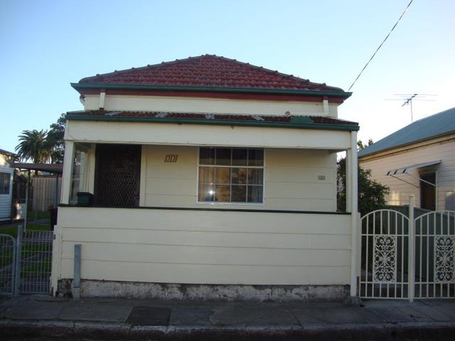 33 Mathieson Street, Carrington, NSW 2294