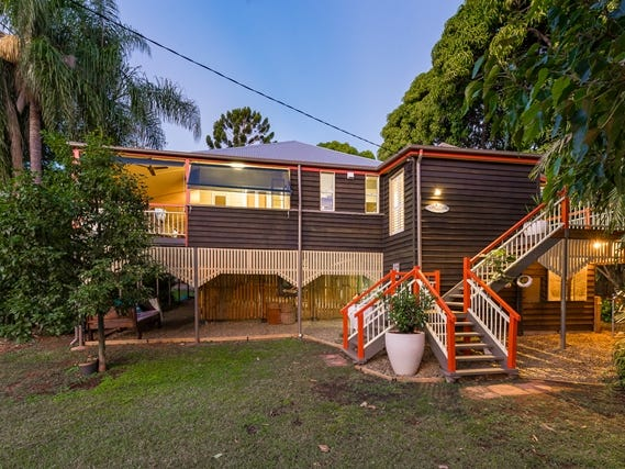 44 Charles Street, West Gladstone, Qld 4680
