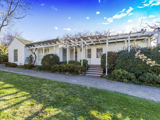 14 Durville Crescent, Griffith, ACT 2603