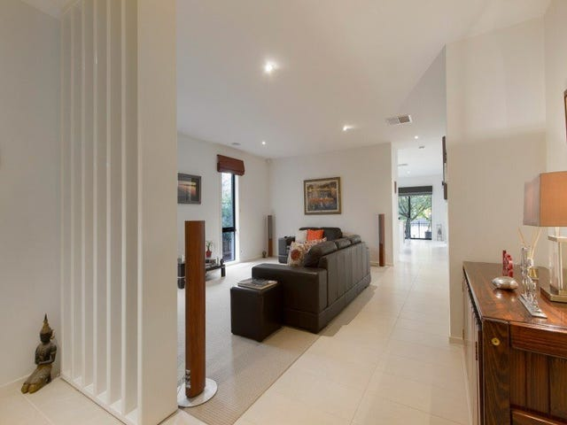 5 Viewmount Place, Sandhurst, Vic 3977
