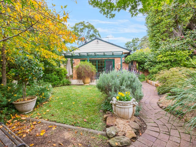 10 Crampton Drive, Springwood, NSW 2777